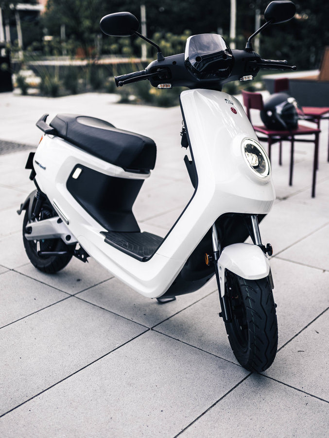 NIU MQi+ Sport elektro motorollers / BALTS