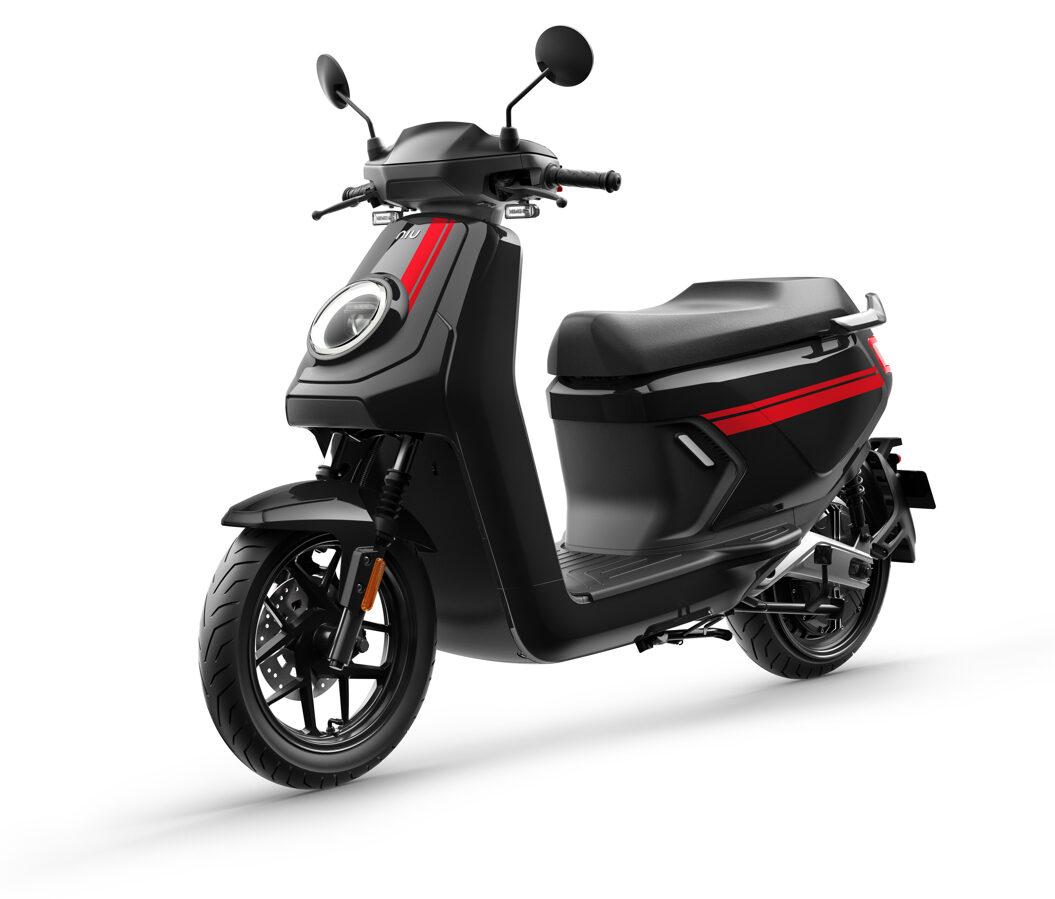 NIU MQi GT elektriskais motorolleris / MELNS AR SARKANU