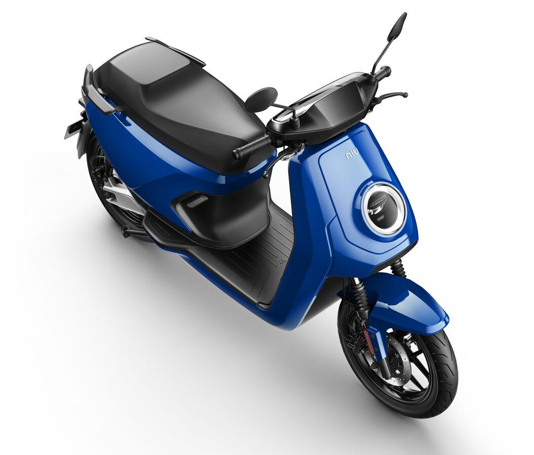 NIU MQi GT elektriskais motorolleris / ZILS