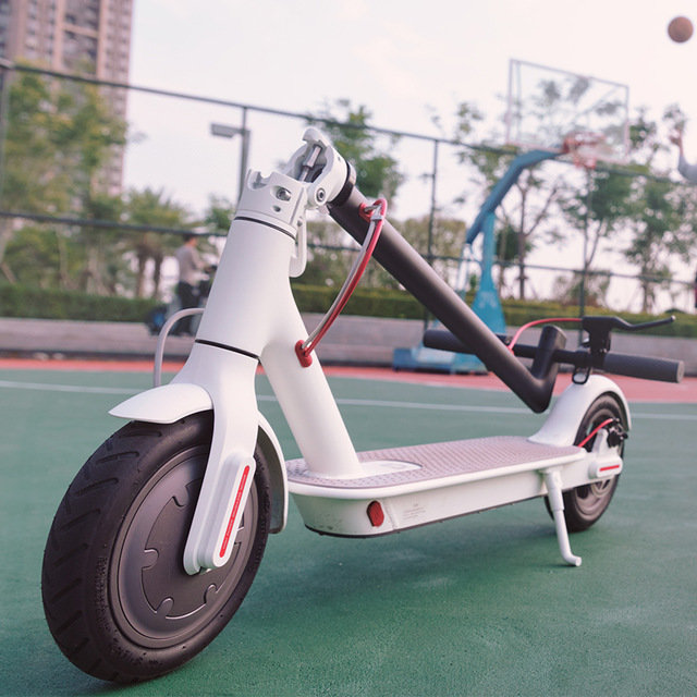 Xiaomi Mi M365 electric scooter, white - - LIFE garage | e