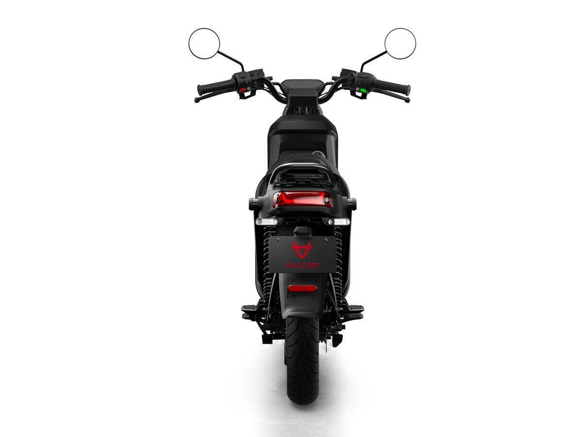 NIU UQi GT elektriskais motorollers / MATĒTI MELNS