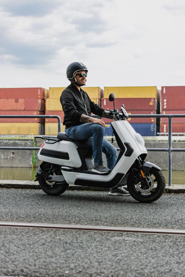 NIU NQi Cargo piegādēm paredzētais elektriskais motorolleris