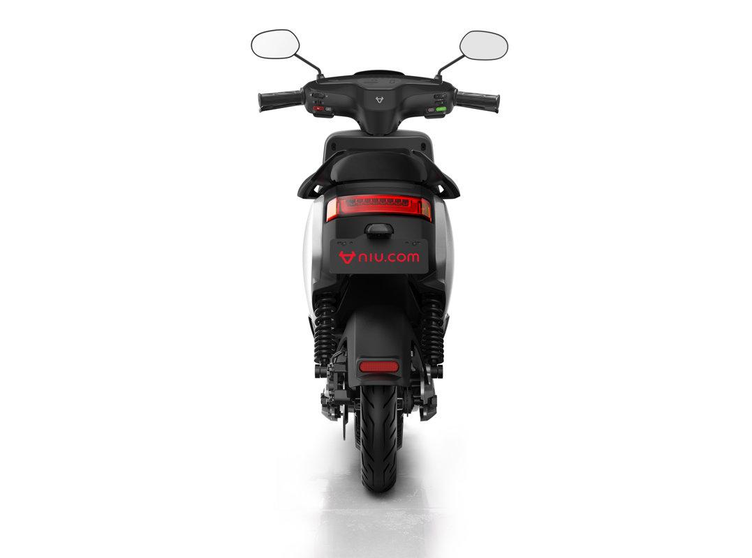 NIU MQi+ Sport elektro motorolleris / SUDRABA